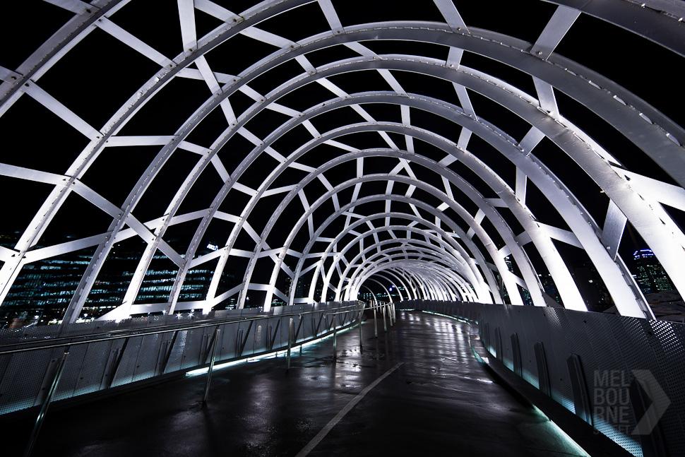 20110711021345_melbourne-street-william-watt-5643.jpg