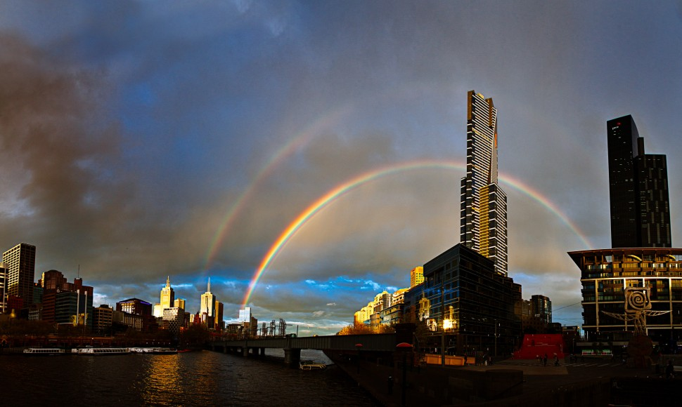 eureka-tower-rainbow-1